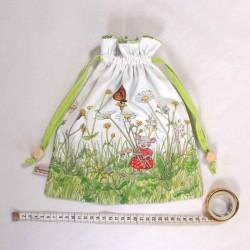 Loisirs créatif couture sac à doudou motif souris au printemps