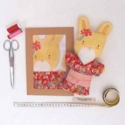 Kit créatif prêt à coudre poupée lapine Suzie