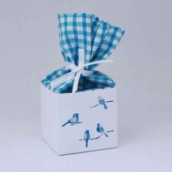 Boîte à dragées personnalisée en carton et tissu vichy bleu