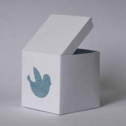 Boîte à dragées personnalisée blanche et bleue avec dessin