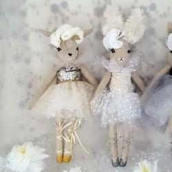 Poupées de collection biche  et lapine danseuses ballerines