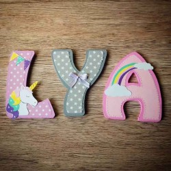 Lettres de porte en bois prénom d'enfant personnalisé thème licorne