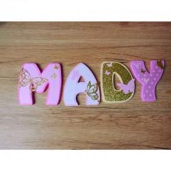 Lettres décoratives en bois au prénom de l'enfant thème papillon