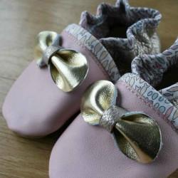 Chaussons bébé en cuir souple motif gros noeud au milieu