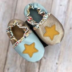 Chaussons bébé garçons en cuir souple et liberty motif étoile personnalisables