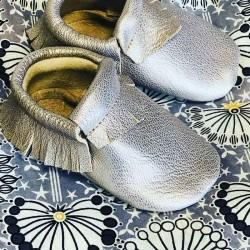 Chaussons bébé mocassins à franges en cuir véritable