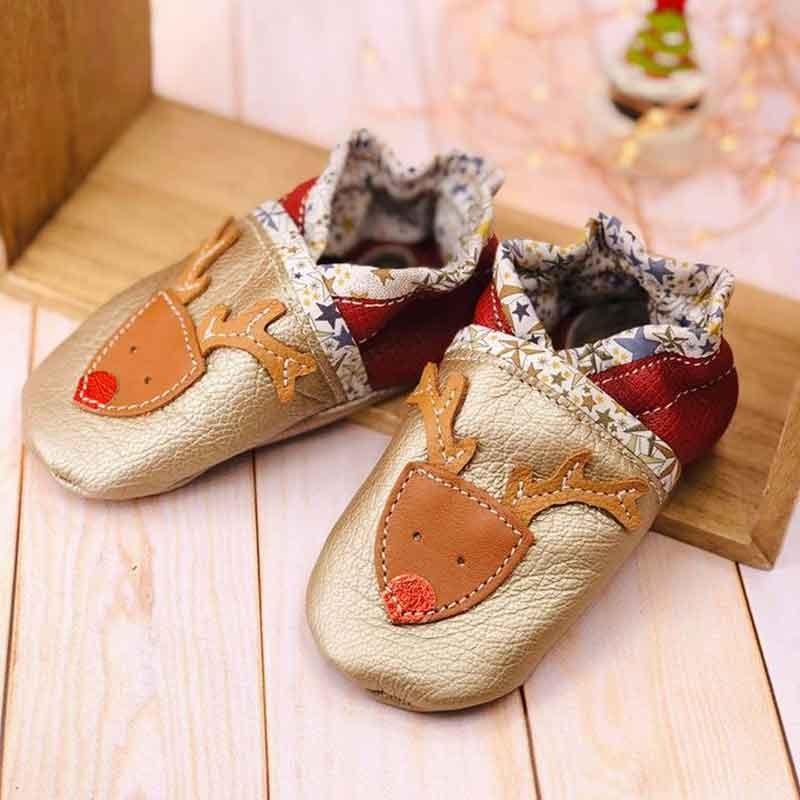 Chaussons bébé en cuir souple et liberty motif renne personnalisés