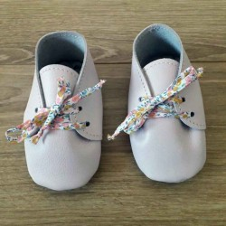 Chaussons bébé fille en cuir à lacets liberty