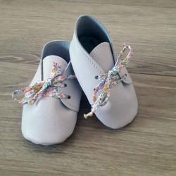 Chaussons roses bébé fille en cuir à lacets liberty