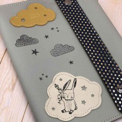Protège carnet de santé personnalisé en cuir et liberty Petit lapin