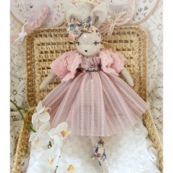 Poupée de collection Biche Robe Rose
