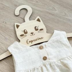 Cintre bébé en bois personnalisé chat
